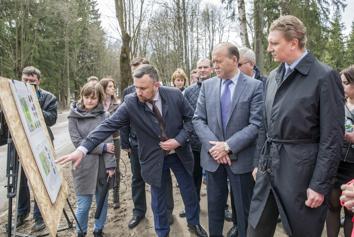 Новые дороги, детский сад и свет на рынке появятся в Новом городке Одинцовского района.