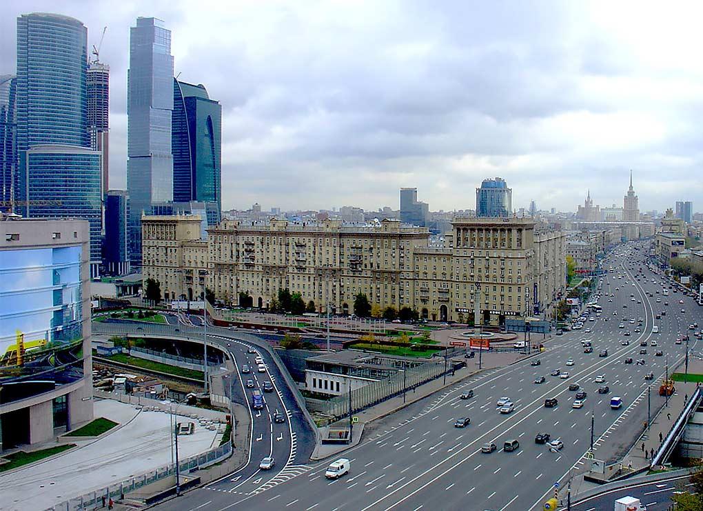 Na Kutuzovskom prospekte i Mozhaijsrjm shosse poyavyatsya vydelennye polosy