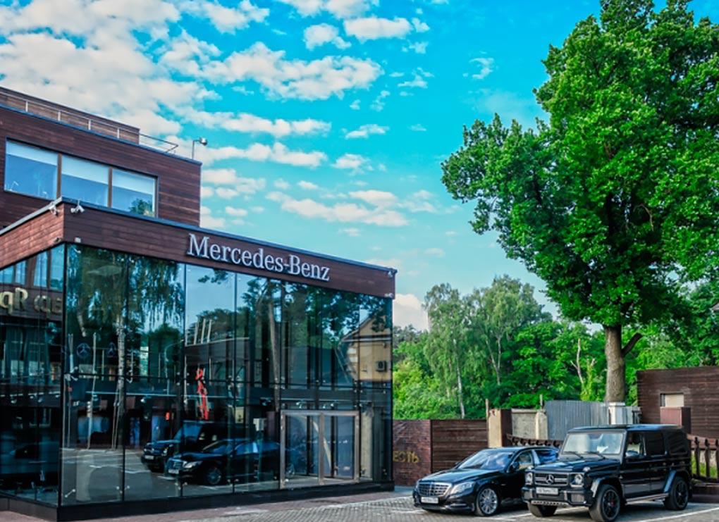 Mercedes otkroetsa v Zhukovke