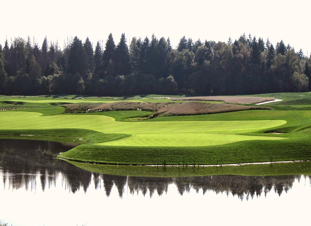 Golf Club v Raevo