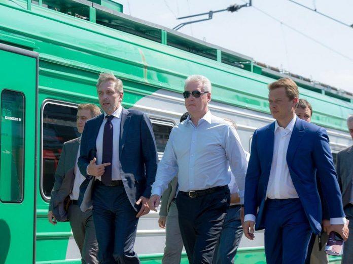Ликсутов обнародовал план по пересадке состоятельных пассажиров на электрички