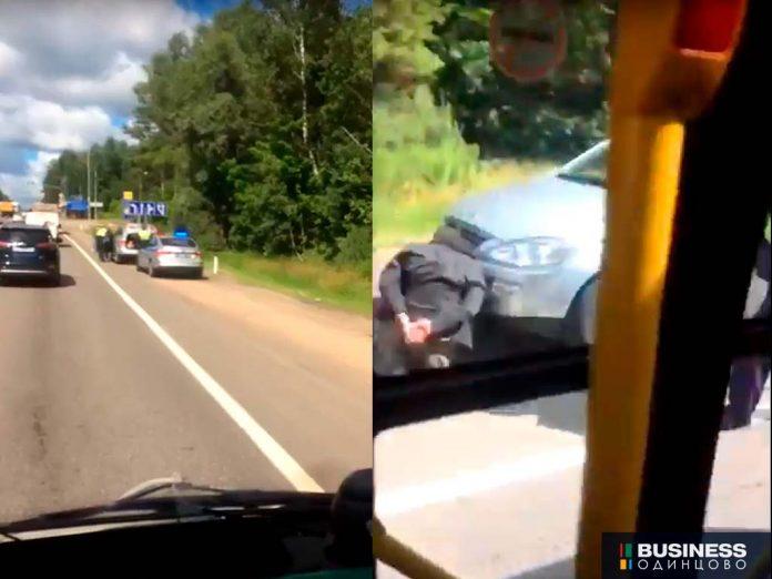 Задержание водителя, сбившего треногу на Можайском шоссе