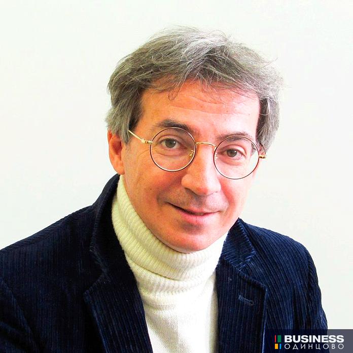 Профессор, доктор психологических наук, главный научный сотрудник Института изучения детства, семьи и воспитания РАО Илья Слободчиков